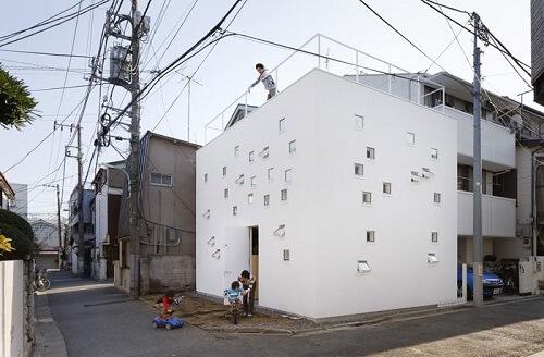 窓の多い家